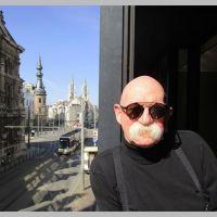 Bert Bevers brengt 4 gedichten op de site van Versindaba